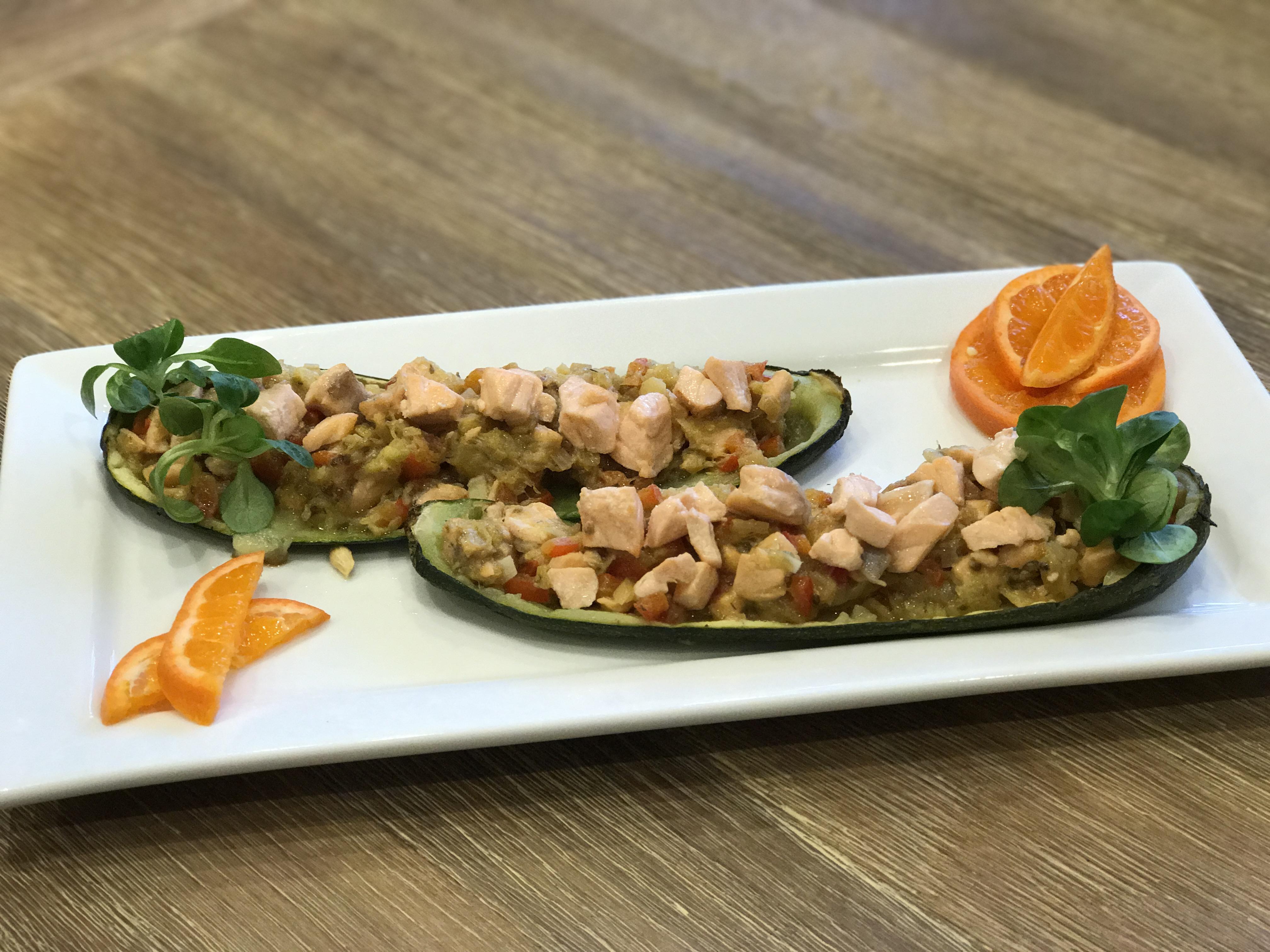 calabacines rellenos de salmón