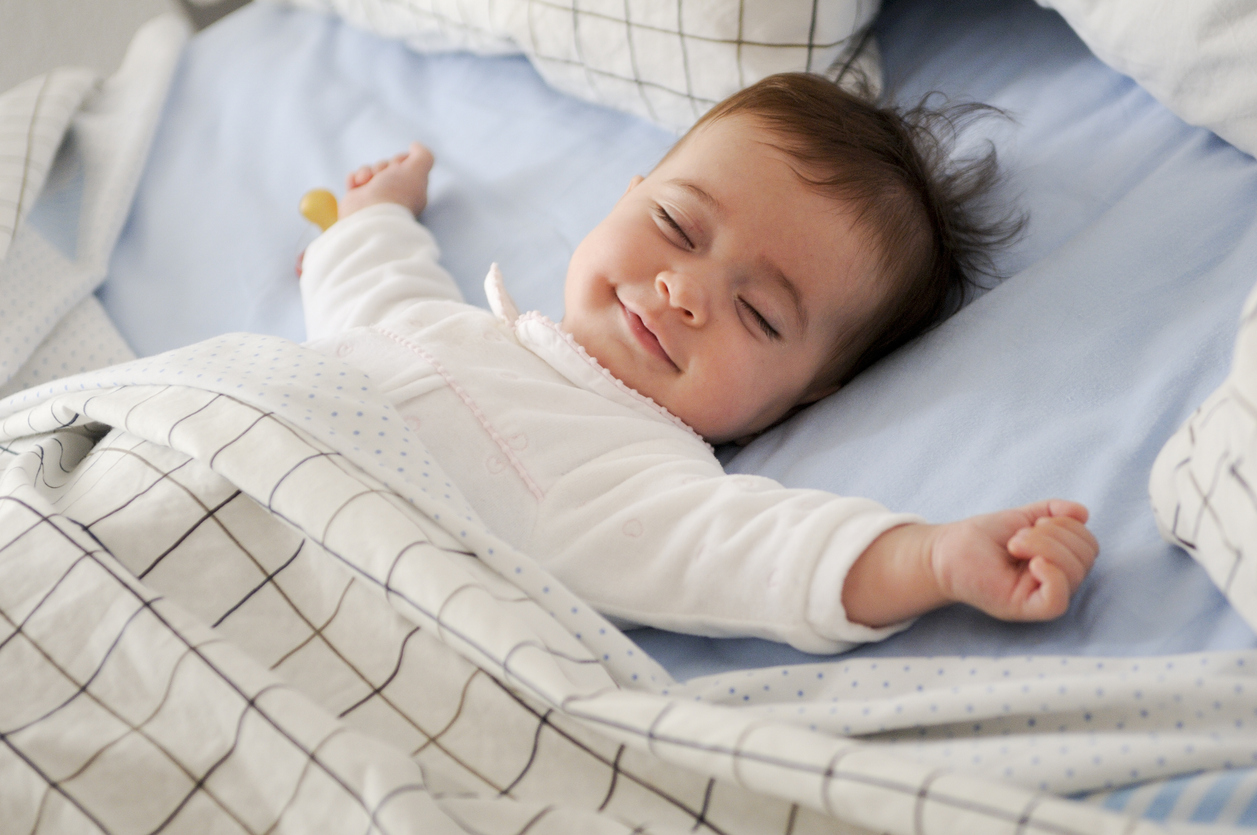 sueño, hábitos, tips, higiene del sueño, dormir, salud, saludable, ejercicio, alimentación, melatonina, felicidad, cortisol, estiramientos, relajación, luz, móvil, adiccion móvil, café, té, alcohol, be healthy and happy